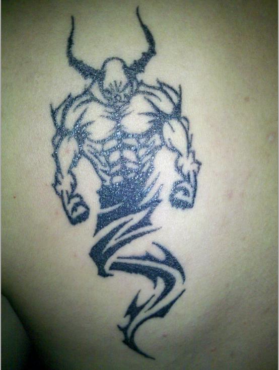 只要不纹骷髅鬼怪神佛之类的就没有什么事情的,这样的纹身就是图腾