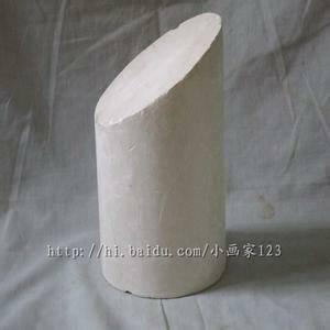 这个素描圆柱体的切面的椭圆怎么确认它的长直径和短直径,有什么具体
