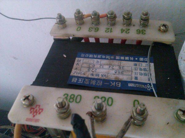 220v转12v变压器接线图